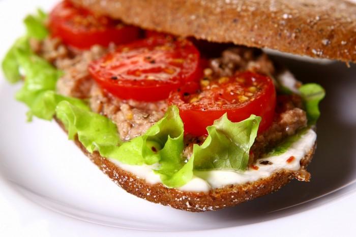 Жареный бутерброд с тунцом