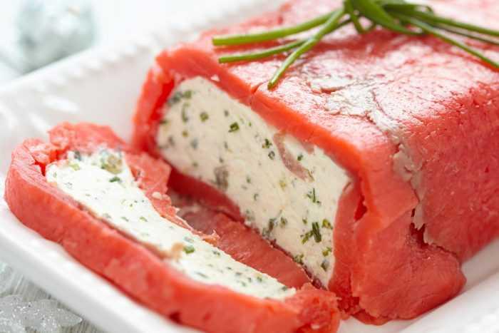 Террин из сыра завернутый в лосось