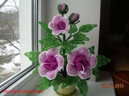 Цветок из бисера в горшке пошагово