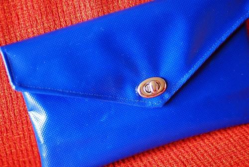 Ярко-синий цвет
