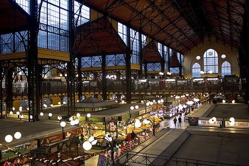 Зайти на центральный рынок Буда в Будапеште