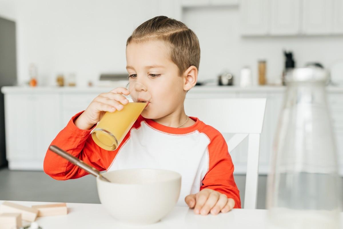 10 советов к здоровому завтраку для школьника напитки