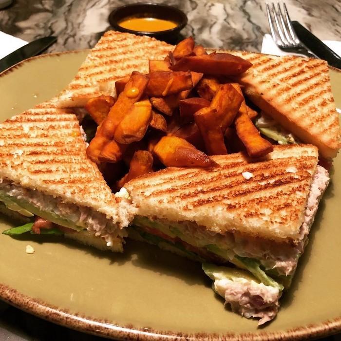 5 восхитительных способов приготовления блюд с тунцом - Жареный бутерброд с тунцом