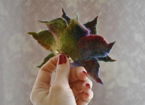 Брошь-цветок Чудо