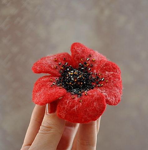 Брошка-цветок Радость маков