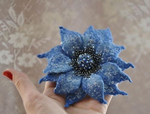 брошь-цветок Мечта небес