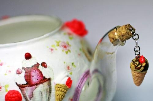 чайник с пробкой