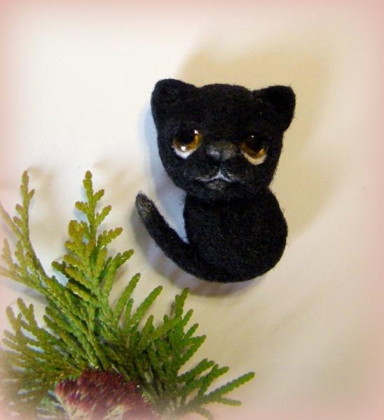 брошь котик черный