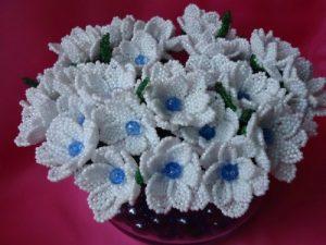 Букет цветов из бисера «Фиалки»