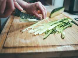 5 весенних продуктов для похудения - Огурцы