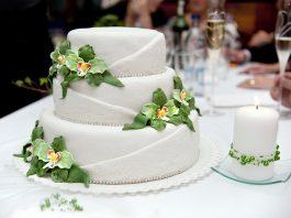 Как правильно выбрать свадебный торт