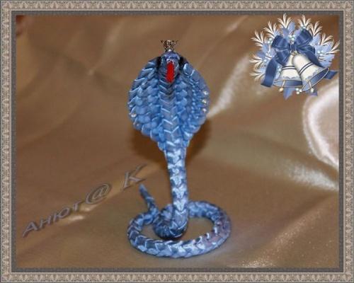 Змея из атласной ленты Морская