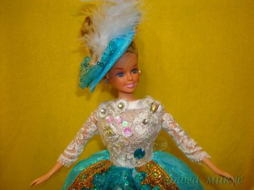 Наряд для куклы Алиса