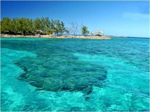 Пляж Голден Рок, Багамские острова