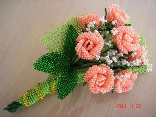 Цветочная композиция из бисера Конвертик с чайными розами