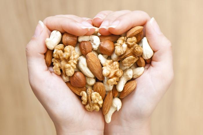Кушайте ежедневно горсть орехов