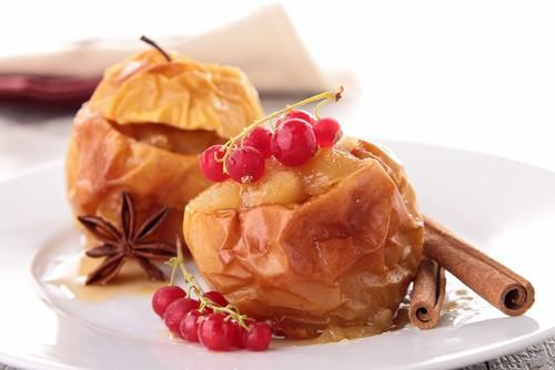 Печеные яблоко и грейпфрут