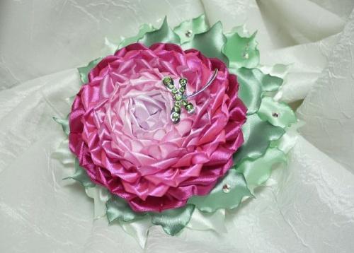Цветы из атласной ленты по технике канзаши Пион