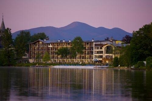 Отель Golden Arrow Lakeside Resort