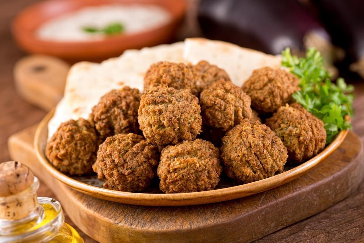 12 самых вкусных уличных блюд со всего мира - Фалафель (Израиль)