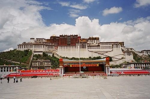 Дворец Потала, Тибет