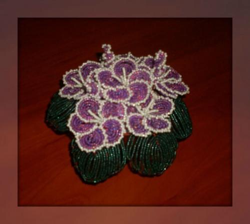 Цветочные композиции из бисера Фиалка фиолетовая