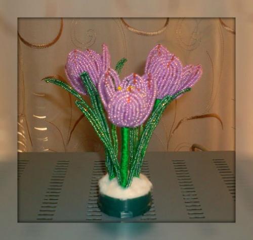 Цветочные композиции из бисера Крокусы