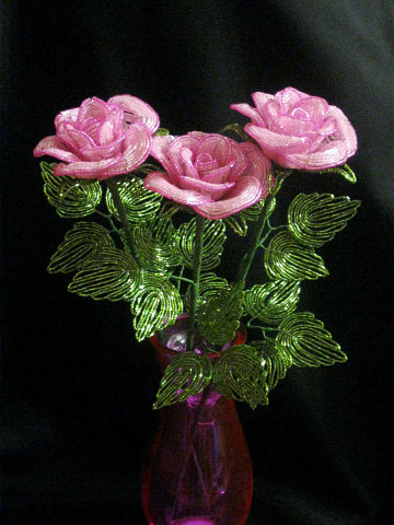 Цветы из бисера Розовые розы