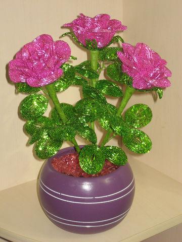 Цветы из бисера Сиреневые розы
