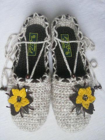 Вязальные тапочки для женщин Туфелька