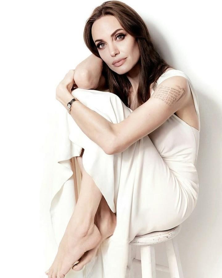 Сыроедение Анджелины Джоли