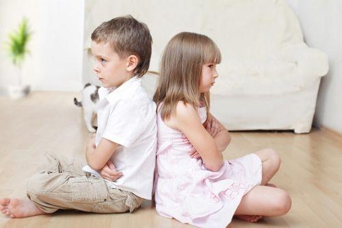 Как Преодолеть Соперничество Между Вашими Детьми