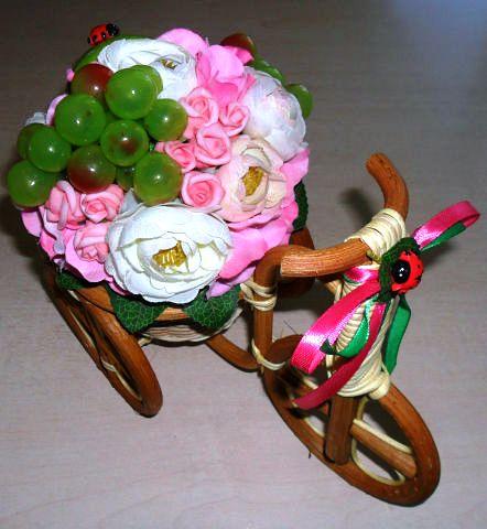 8 Композиций Велосипедов в Виде Декора с Элементами Винограда
