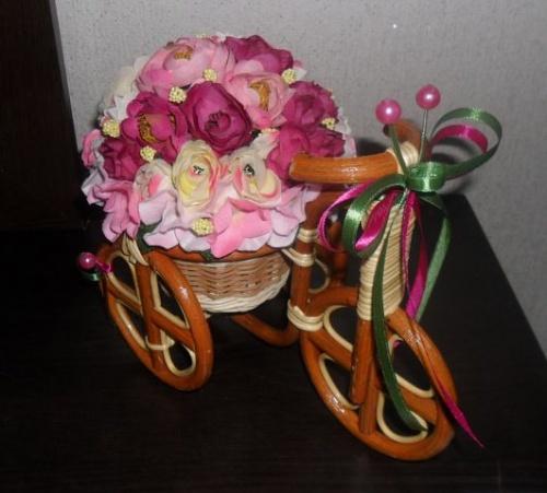 Велосипеды в виде декора Цветение