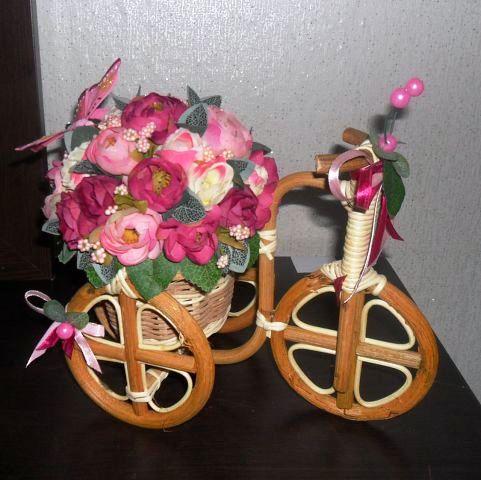 Велосипеды в виде декора Дикая роза