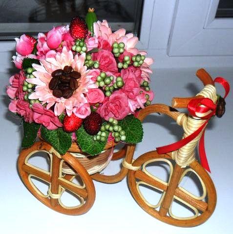 Велосипеды в виде декора Ожидание