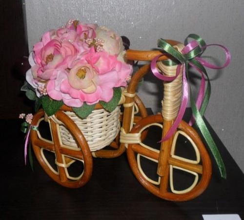 Велосипеды в виде декора Пион
