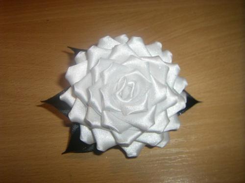 Заколка Роза белая
