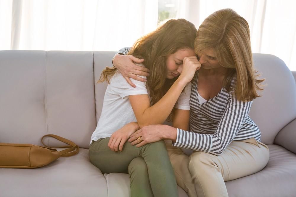 лисбиянки мама утешила дочь смотреть онлайн без регистрации и смс