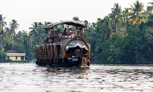 Тихие заводи Кералы, Индия