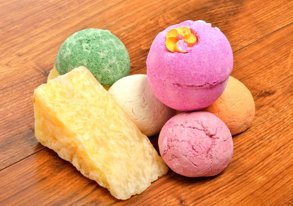 Разноцветные бомбочки для ванны
