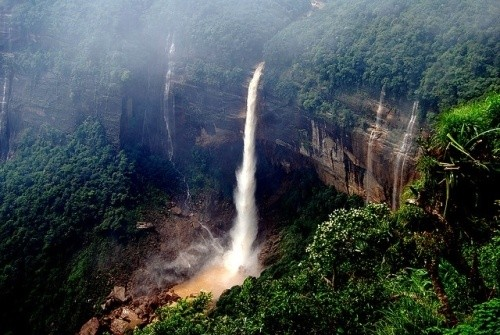 Водопад Нохкайликай, Индия