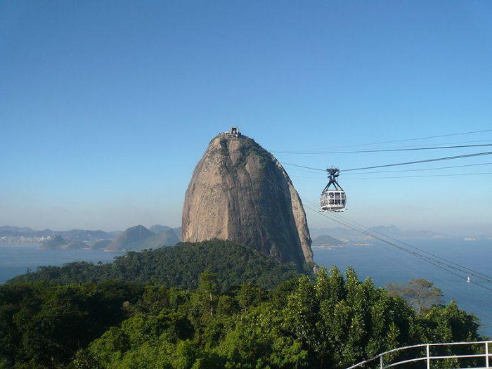Бар на остроконечном холме, Бразилия