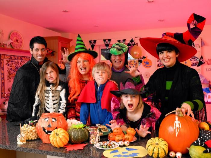 Хеллоуин для всей семьи