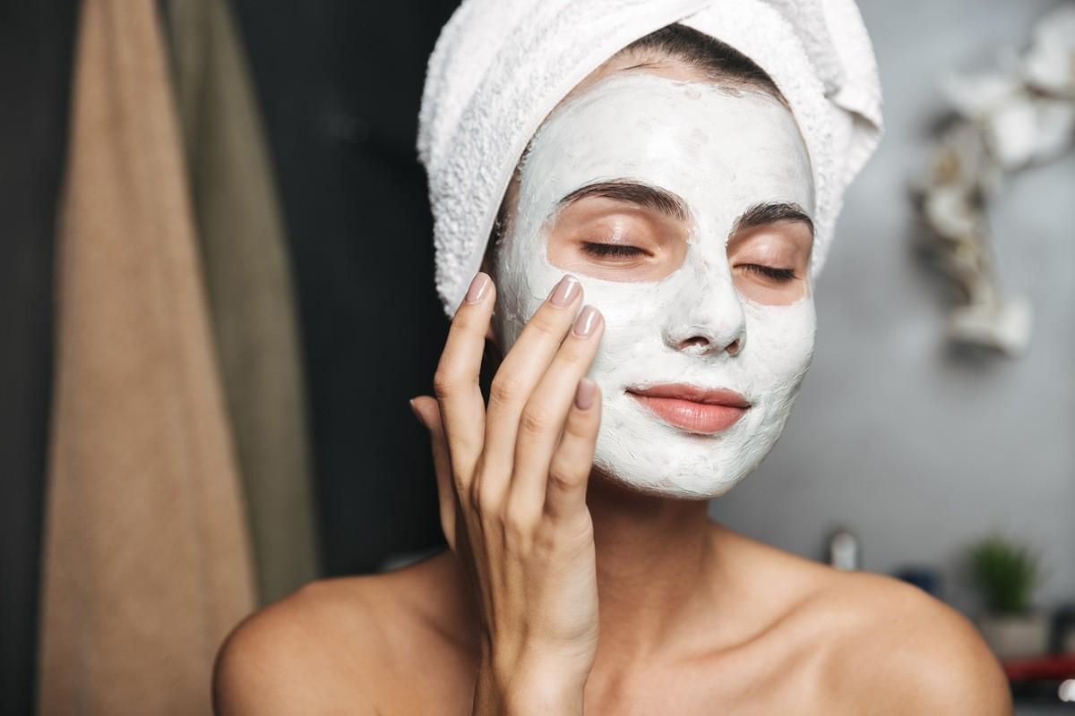 10 лучших масок для лица в домашних условиях