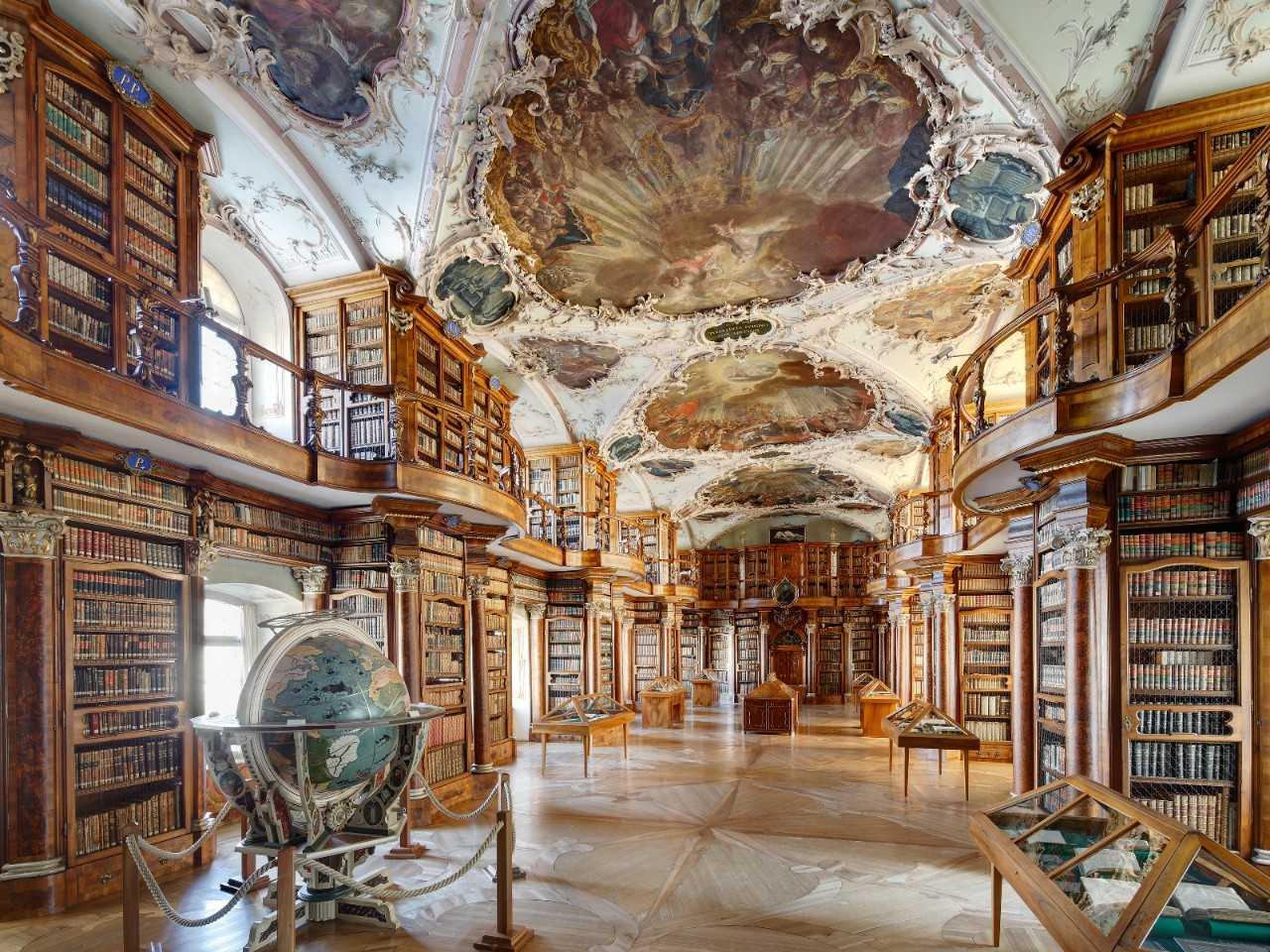 Библиотека аббатства святого Галла, Санкт-Галлен (Швейцария)