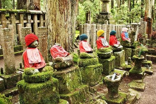 Кладбище Окуно-ин, гора Коя-сан, Япония