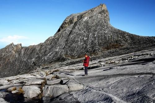Здесь находится гора Кинабалу