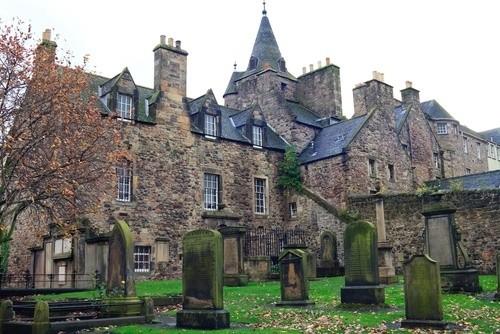 Путешествие с призраком, Шотландия