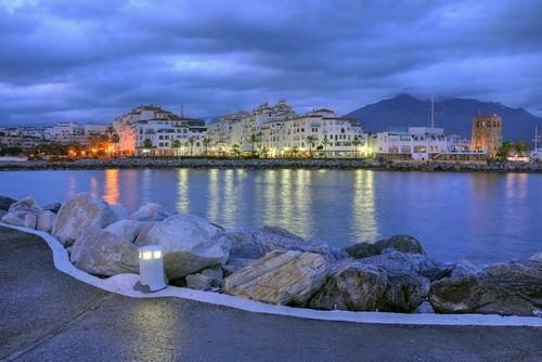 Пуэрто Банус, Испания
